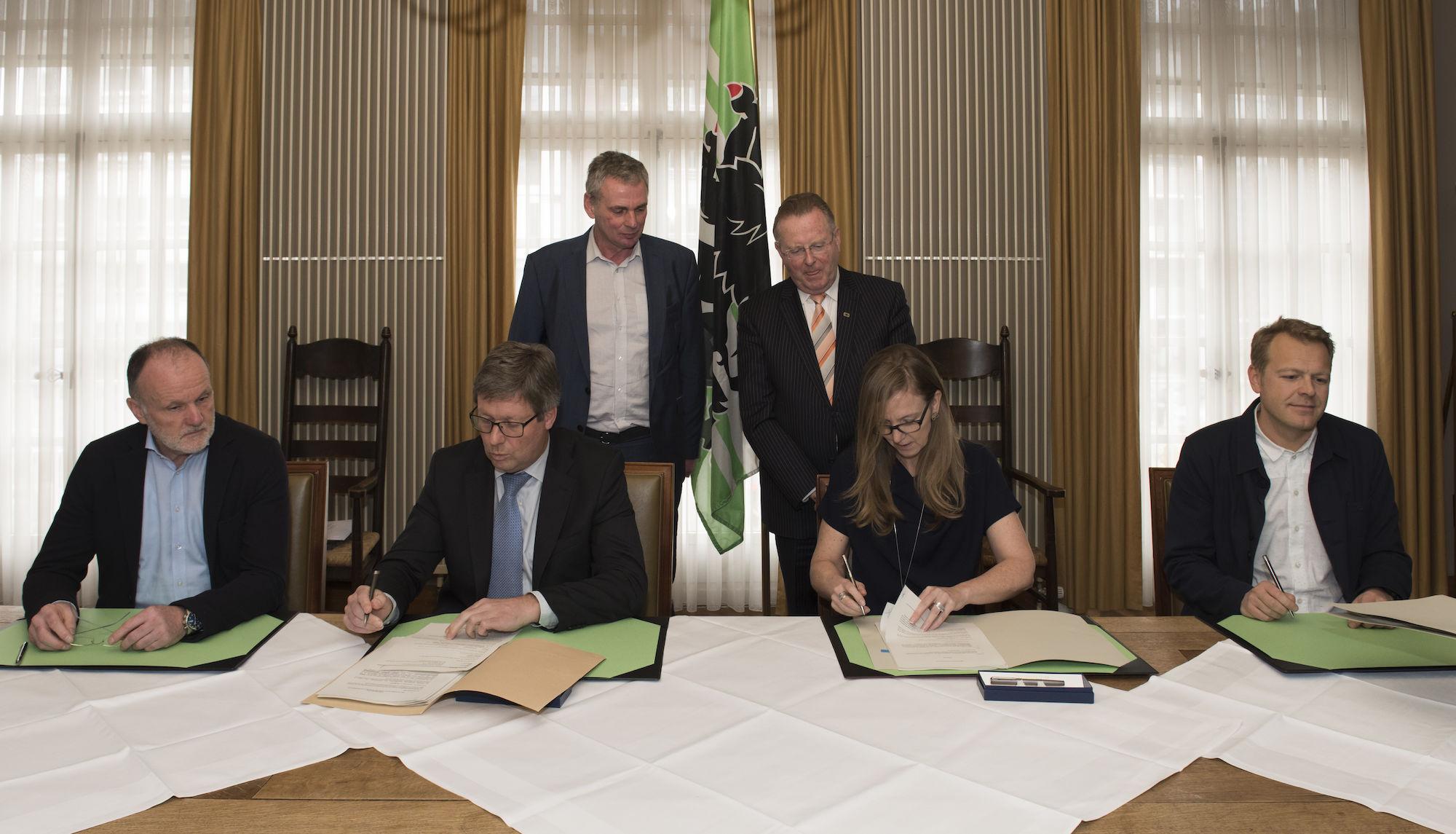 180309-ondertekening-overeenkomst-realisatie-Leopoldskazerne-00001.jpg