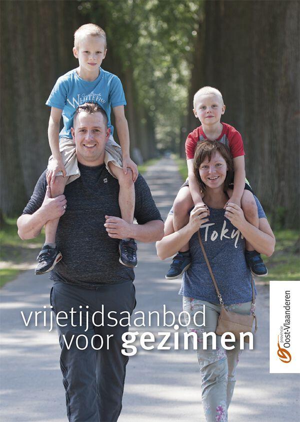 20200430 Cover Brochure Vrijetijdsaanbod voor Gezinnen