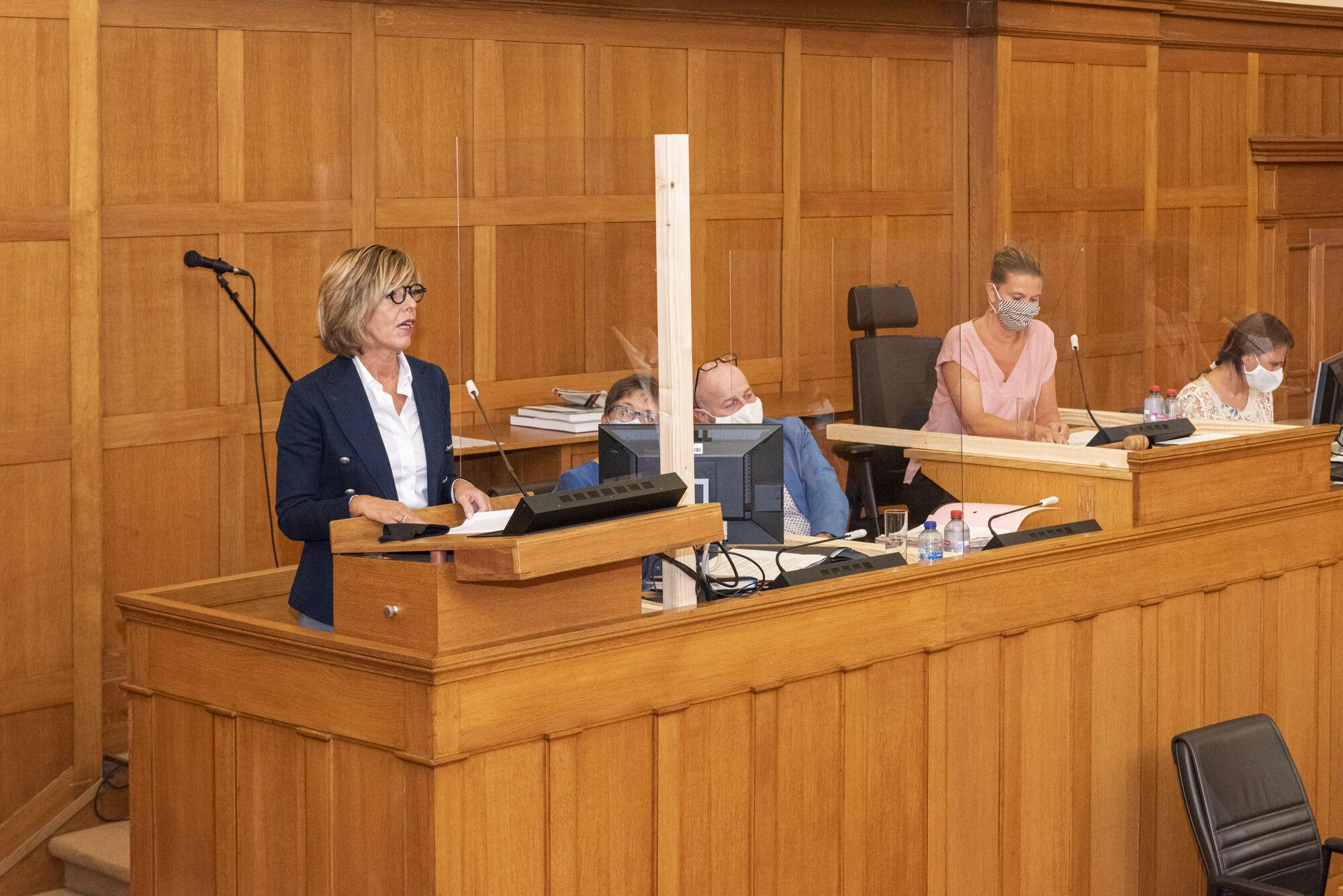 20200902 Gouverneur Carina Van Cauter ontvangst provincieraad 02.jpg
