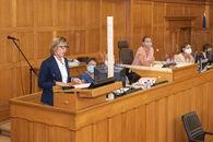 20200902 Gouverneur Carina Van Cauter ontvangst provincieraad 03.jpg