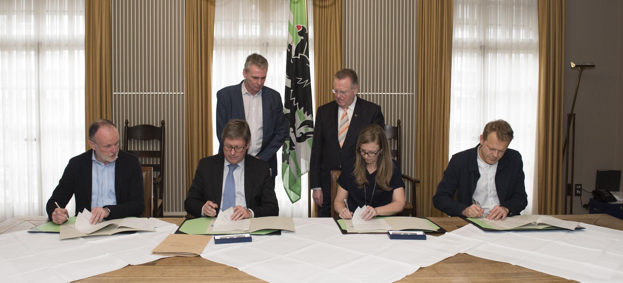 180309-ondertekening-overeenkomst-realisatie-Leopoldskazerne-00008.jpg