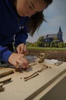 Unieke erfgoedvondst op de tentoonstelling Landschap Door.Grond in Archeocentrum Velzeke