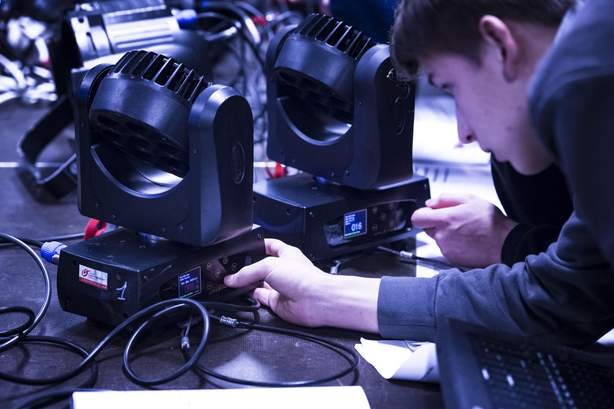180208-uitleendienst-workshop-dmx-00082.jpg